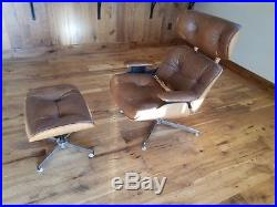 Vintage Charlton Company eames/herman miller style lounge chair with ottoman